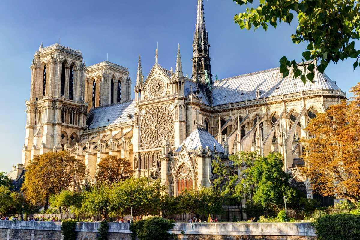 Photo of Macron se predomislio: Novi toranj na Notre-Dameu izgledat će identično onome koji se urušio u požaru