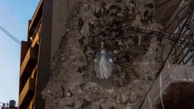 Photo of Kip Djevice Marije ostao netaknut nakon eksplozije u Bejrutu