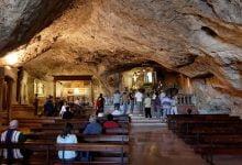 Photo of VELIKA MILOST Jedinstveno mjesto na svijetu: Pećina u kojoj je arkanđeo ostavio opipljivi dokaz svoje prisutnosti!