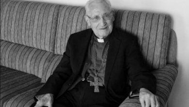 Photo of Preminuo najstariji biskup na svijetu